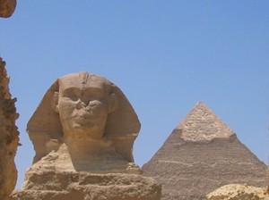 Die Pyramiden von Gizeh ist das einzige der 7 Weltwunder der Antike, welches man heute noch bewundern kann
